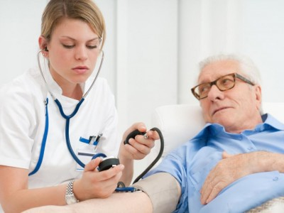 Коя от границите на кръвното налягане е по-важна?